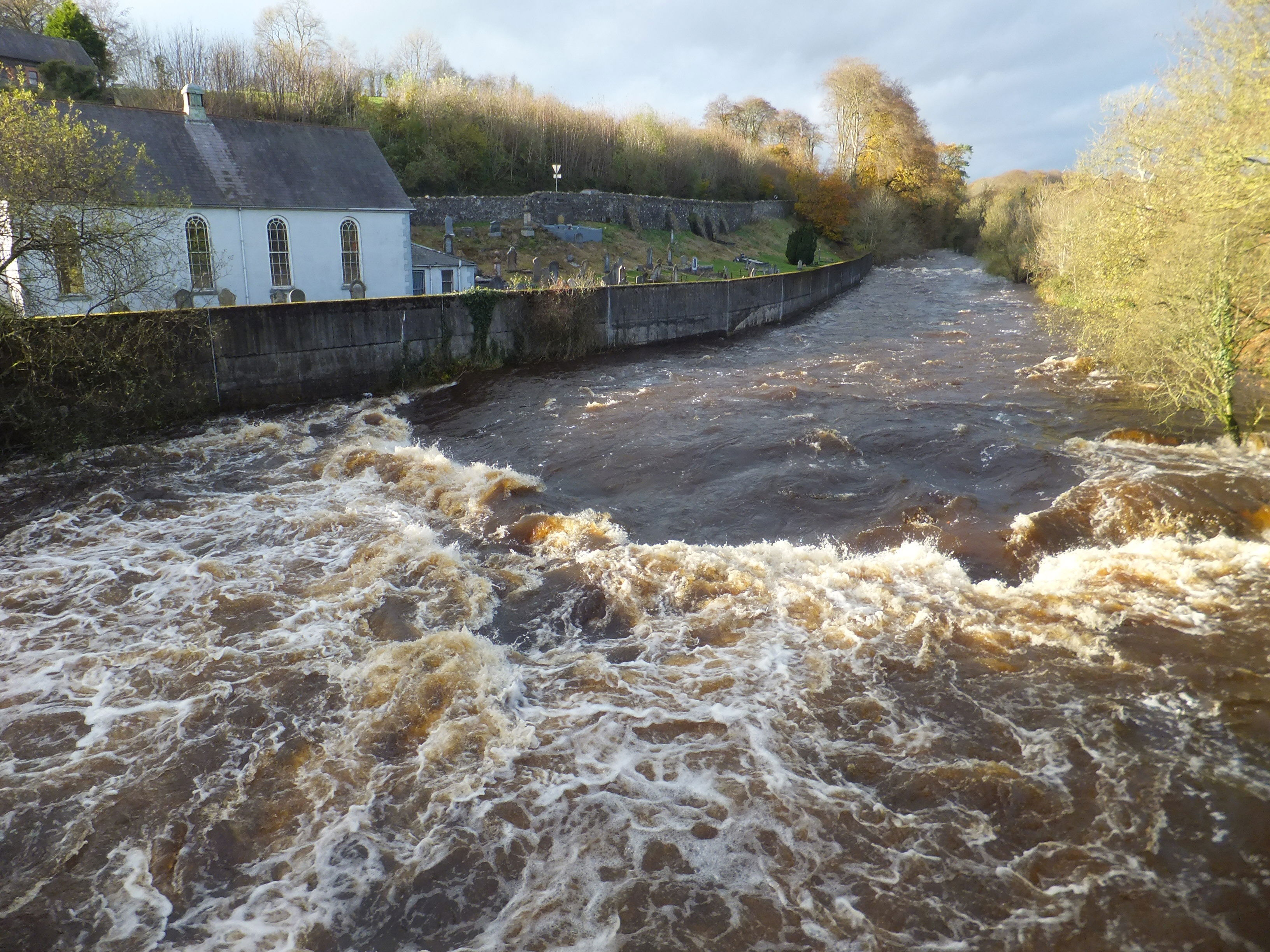7-nov-2014-river-in-flood-and-sun