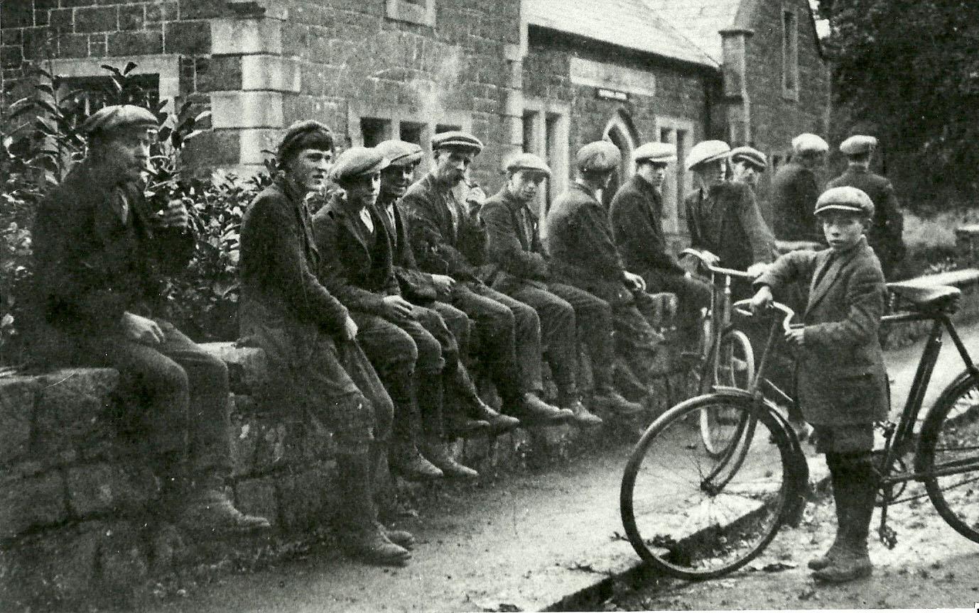 boys-on-wall-at-craigs-parochial-hall