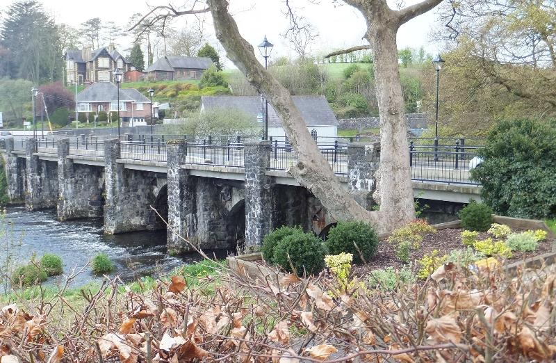 photo-42-bridge-from-millennium-path