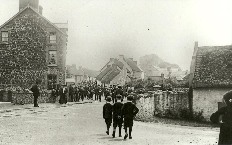 photo-57-parade-in-cullybackey-1904-5